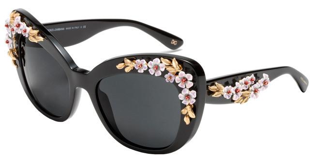 """Dolce   Gabbana acaba de lançar uma coleção cápsula de óculos com edição  limitada, intitulada """"Almond Flowers"""". A new Collection traz óculos feitos  de forma ... ef57e84701"""