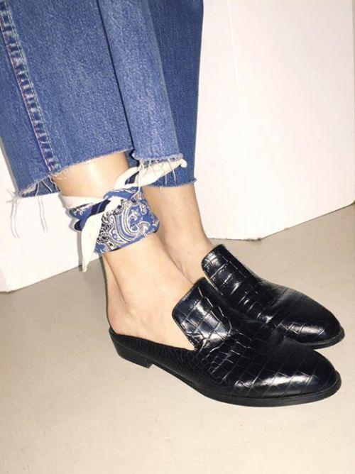 Lenço como tornozeleira imagem via Pinterest